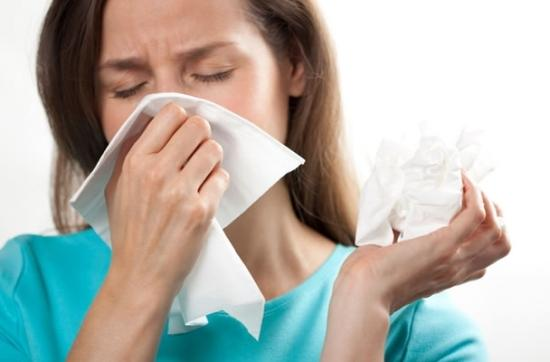 Nghẹt mũi thường xuất hiện khi chảy mũi tăng nặng