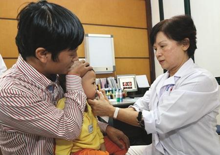Phó Giáo Sư.Tiến Sĩ Nguyễn Thị Ngọc Dinh, Nguyên Giám đốc Viện tai mũi họng Trung Ương