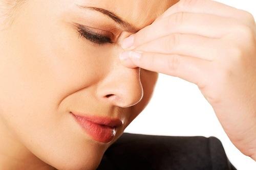 Đau nhức là dấu hiệu điển hình của bệnh viêm xoang