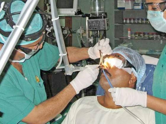 Điều trị bằng phẫu thuật
