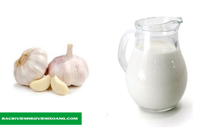 Chữa viêm họng hạt bằng tỏi và sữa