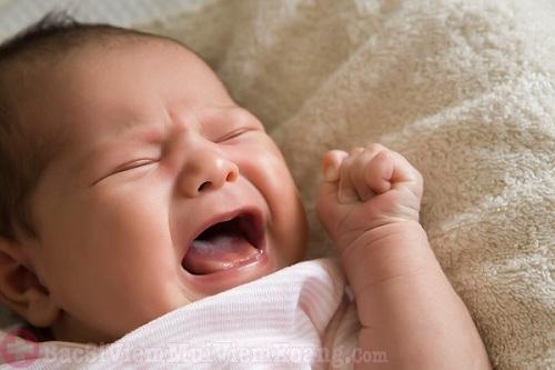 Dấu hiệu viêm mũi ở trẻ sơ sinh