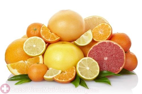 Người bệnh viêm xoang nên bổ sung nhiều thực phẩm chứa vitamin C