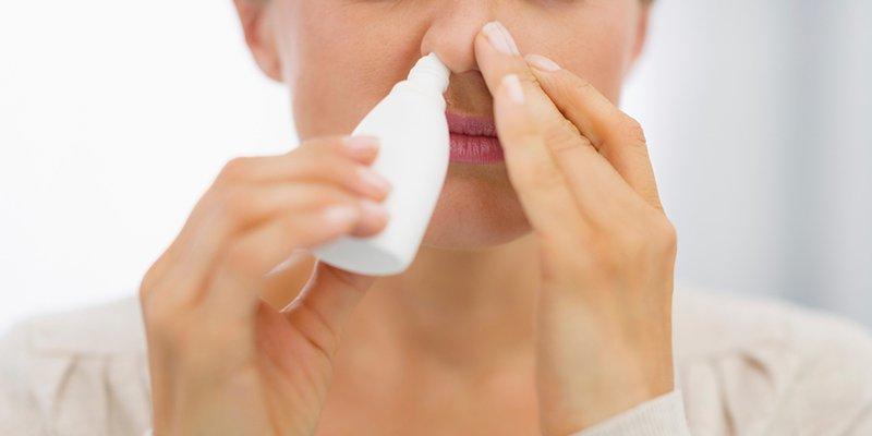 Sử dụng các thuốc thông mũi giúp cải thiện tình trạng tắc nghẹt mũi
