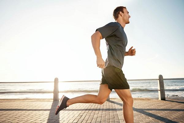 Luyện tập ngoài trời giúp tăng cường sức khỏe tiếp xúc với không khí trong lành