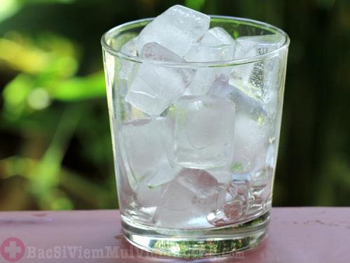 Nước đá không tốt cho người bệnh viêm xoang