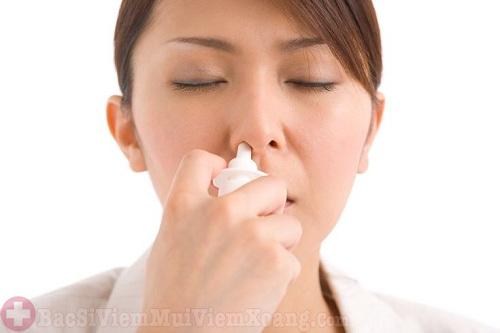 Người lớn bị sổ mũi lâu ngày làm sao khỏi?