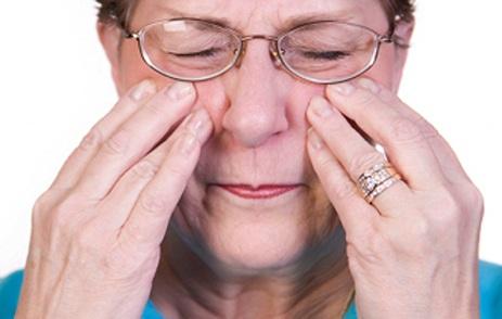 Người cao tuổi bị viêm xoang có mổ được không?