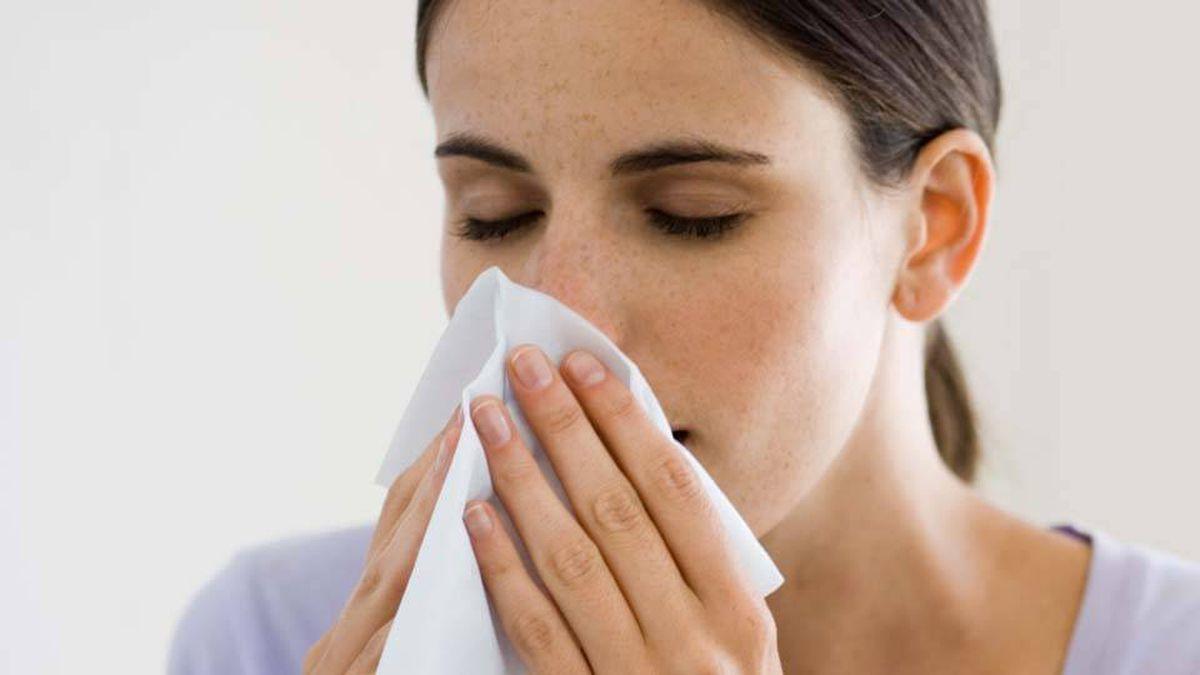 Nghẹt mũi cũng là triệu chứng bệnh viêm xoang hàm đặc trưng