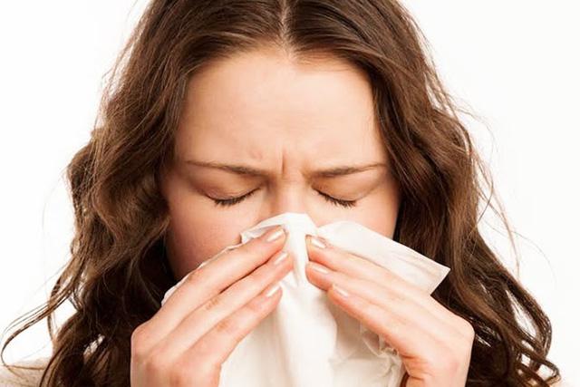 Nghẹt mũi kéo dài do viêm xoang gây ra
