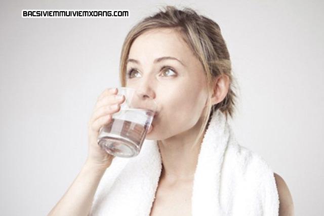 Cách chữa viêm họng viêm thanh quản bằng súc miệng