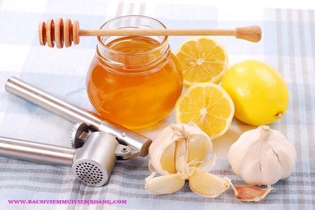 Điều trị viêm mũi dị ứng theo mùa tại nhà bằng mật ong