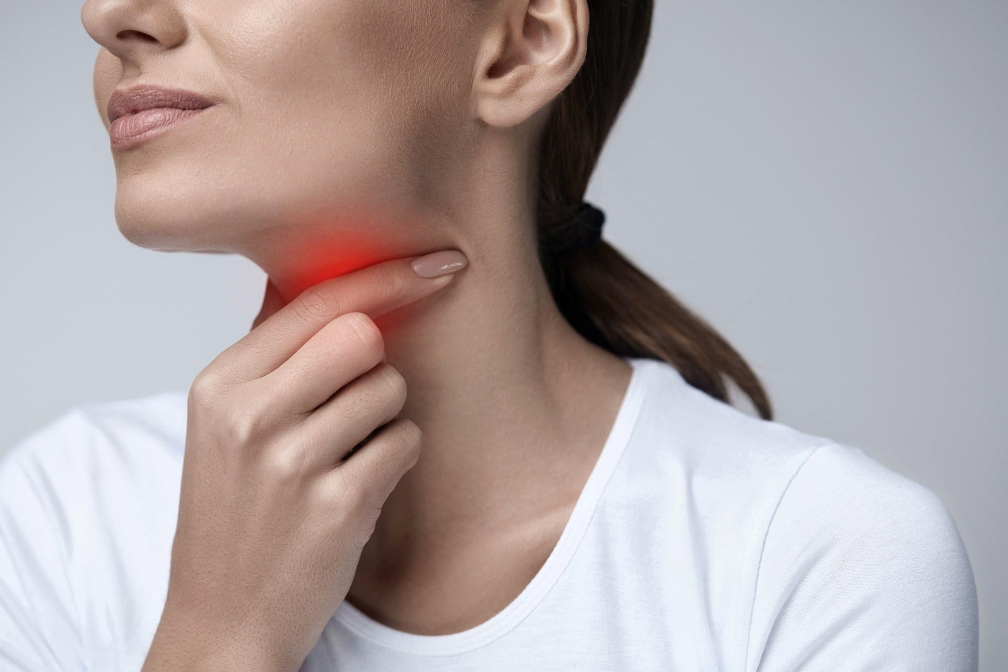 Dùng bài thuốc dân gian để chữa viêm họng