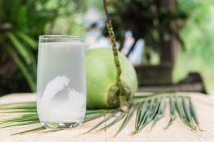 nước dừa tốt cho người viêm họng