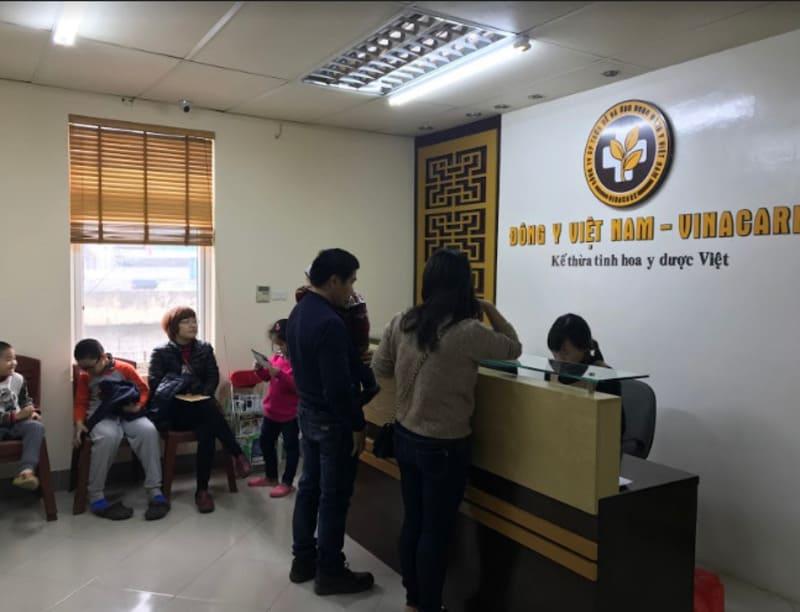 Cháu Hải Nam tới khám viêm amidan tại Trung tâm Đông y Việt Nam