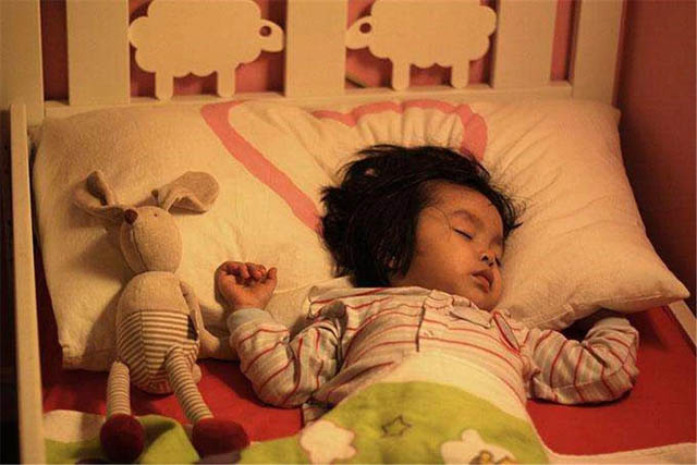 Bé Trang Anh thường xuyên bị ho, sốt, ốm