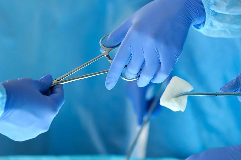 Không nên phẫu thuật cắt amidan ngay